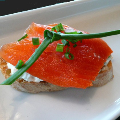 Smoked Salmon and Caper Cream Cheese Toasts